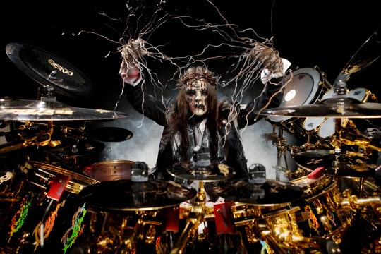 Joey Jordison, # 1, de Slipknot, baleado en Des Moines, Iowa, el 27/06/08 -; (Foto de Steve Brown / Photoshot / Getty Images)