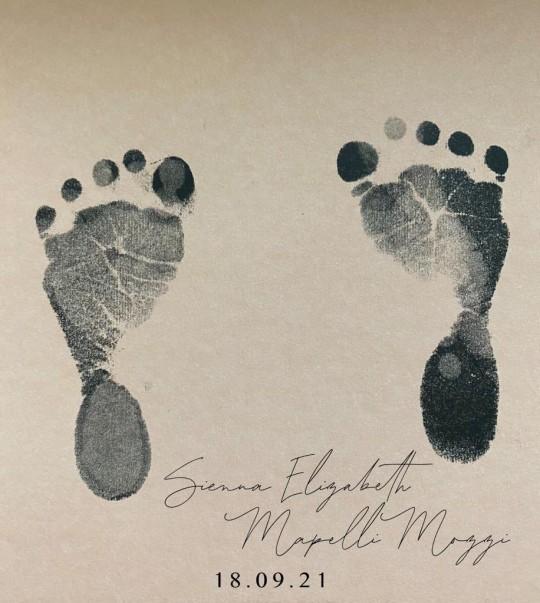 Su Alteza Real la Princesa Beatriz y el Sr. Edoardo Mapelli Mozzi han nombrado a su hija Sienna Elizabeth Mapelli Mozzi.