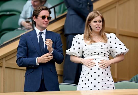 Londres, Inglaterra - 08 de julio: Edo Mapelli Mozzi y la princesa Beatriz, la Sra. Edoardo Mapelli Mozzi asisten al torneo de tenis de los campeonatos de Wimbledon en el All England Lawn Tennis and Croquet Club el 08 de julio de 2021 en Londres, Inglaterra. (Foto de Karwai Tang / WireImage)